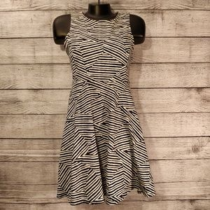 Black and White Fit and Flare Dress xl